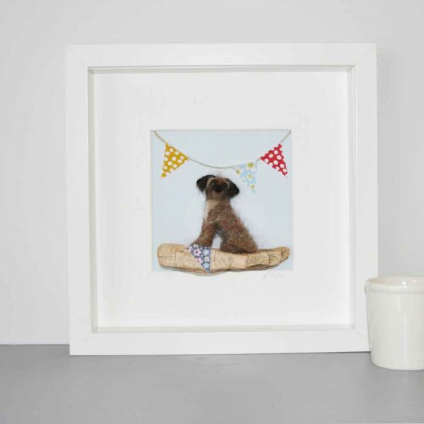 Felt Dog with Bunting Picture